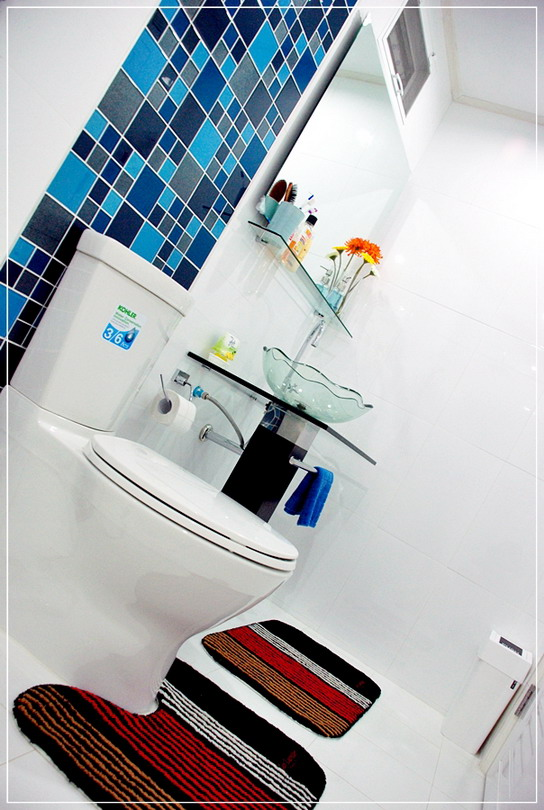 old-restroom-to-modern-restroom-renovation-17