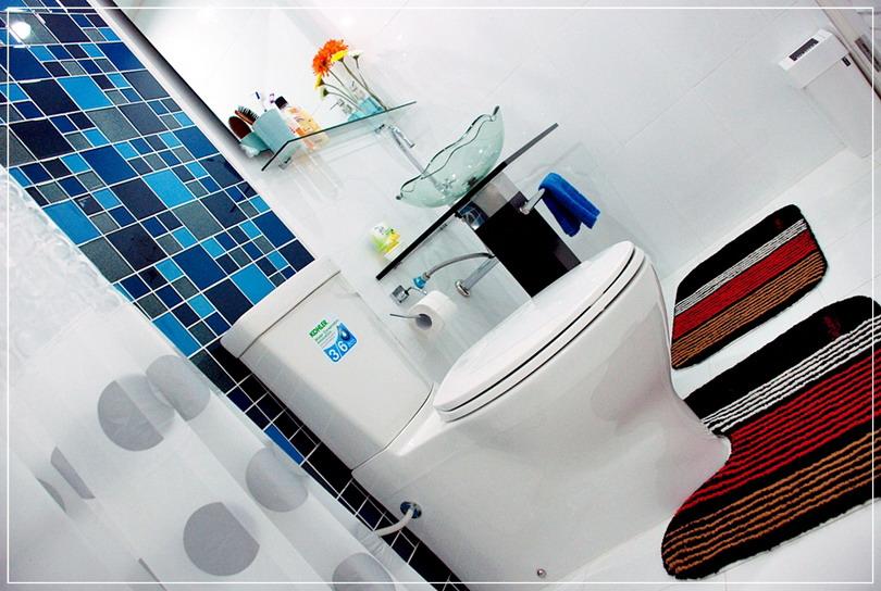 old-restroom-to-modern-restroom-renovation-18
