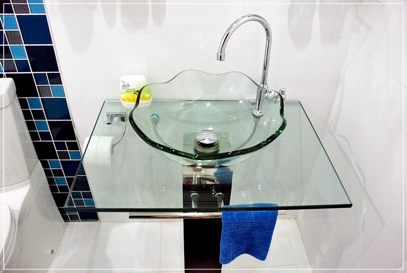 old-restroom-to-modern-restroom-renovation-22