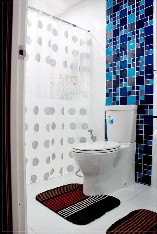 old-restroom-to-modern-restroom-renovation-25
