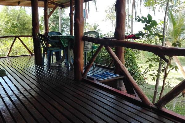 simple and cozy wooden hut on phangan island 999 (3)