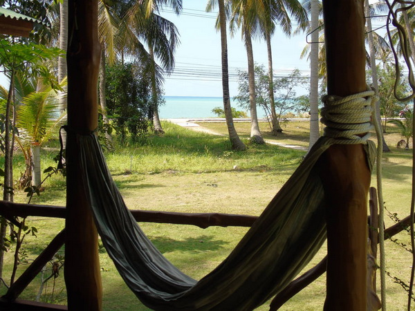 simple and cozy wooden hut on phangan island 999 (4)