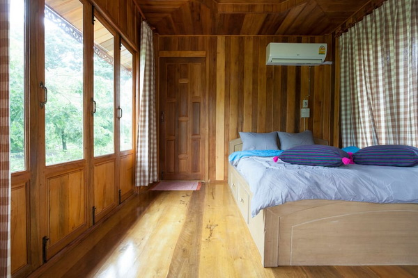 small-wood-house-suan-phai-homestay-5