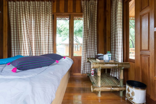 small-wood-house-suan-phai-homestay-6