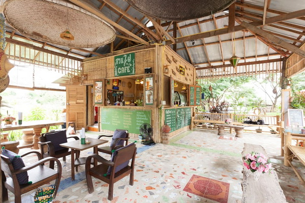 small-wood-house-suan-phai-homestay-9