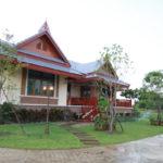 """Review : สร้างบ้านริมน้ำ """"เรือนไทยประยุกต์"""" รายล้อมไปด้วยวิวงาม กับบรรยากาศริมแม่น้ำสุดชิลล์"""