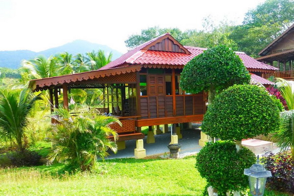 traditional thai wooden house (13)