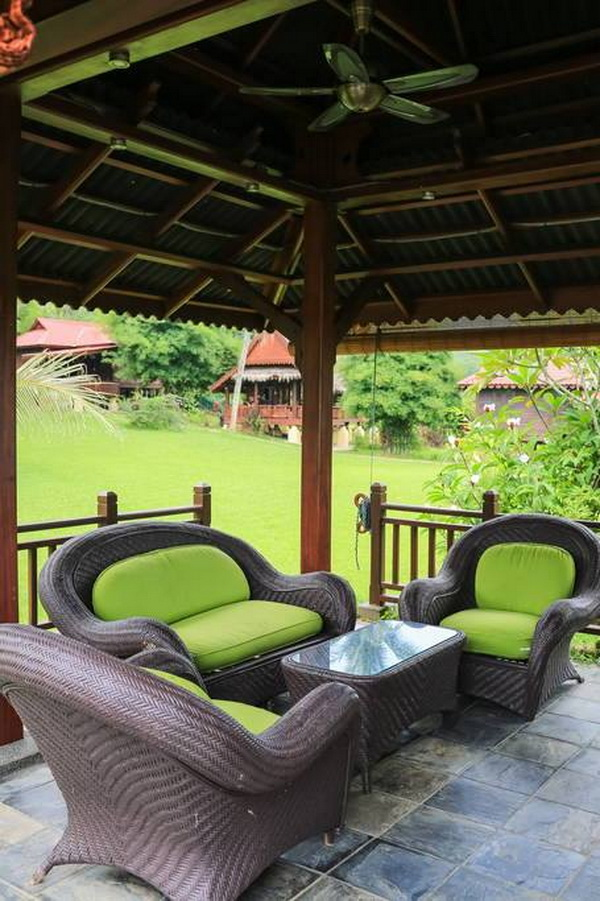 traditional thai wooden house (17)