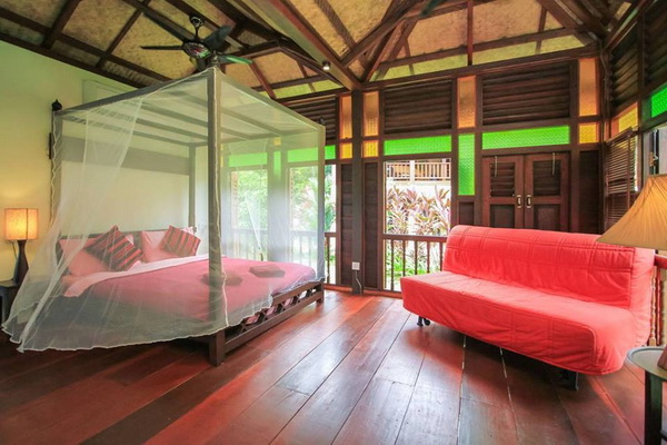 traditional thai wooden house (7)