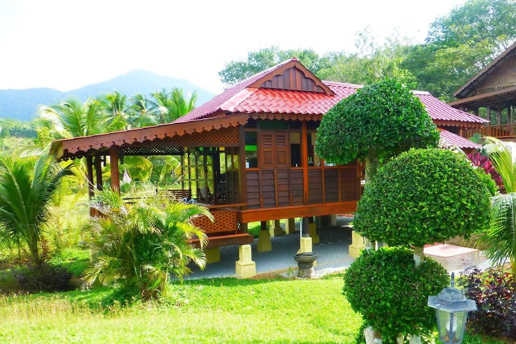 traditional-wood-raised-up-house-2