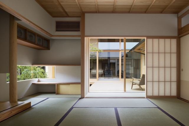 two-storey-modern-house-japanese-style-1