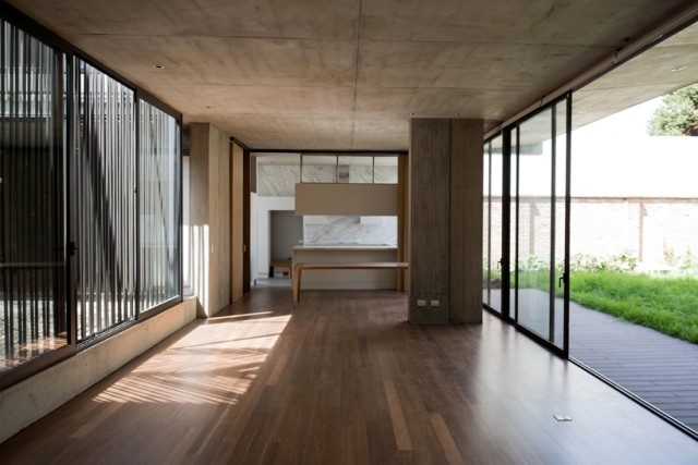 two-storey-modern-houses-concrete-and-woo (16)