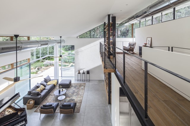 two-story-modern-house-beautiful-and-elegant-forest-side-14