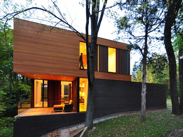 two-tone-modern-house-decorative-brick-and-wood-3
