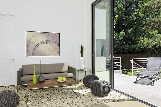 white-modern-minimal-house-2