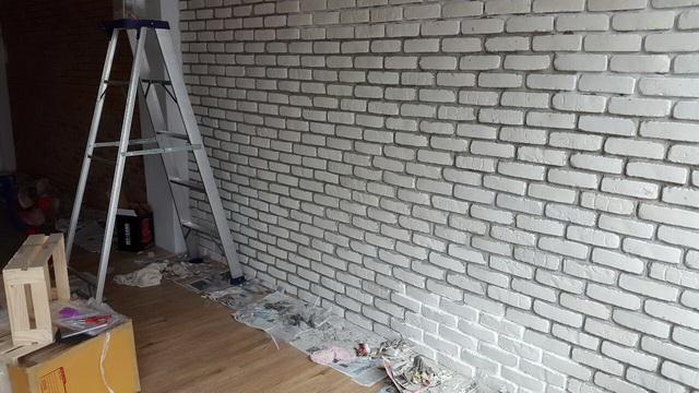 white-studio-room-decoration-review-14