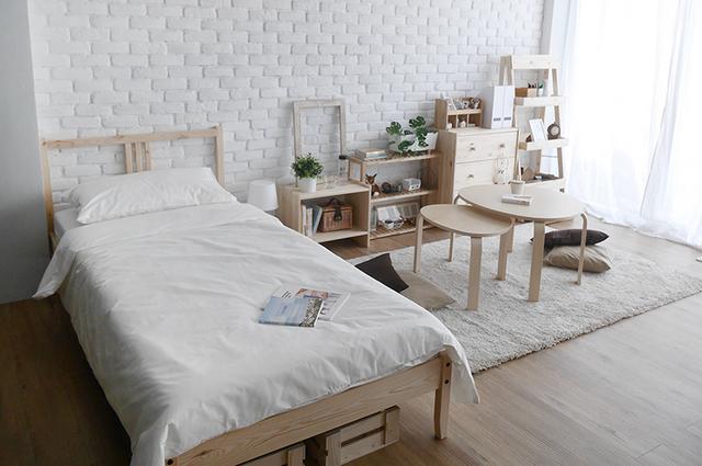 white-studio-room-decoration-review-7