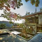บ้านโมเดิร์นสองชั้นพร้อมดาดฟ้า แบบบ้านวิลล่า ทันสมัยด้วยรูปทรงและวัสดุ สวยงามและภูมิฐาน ตกแต่งร่มกับธรรมชาติรอบบ้าน