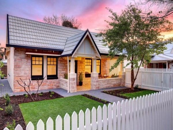 1-storey-cozy-stone-house-2