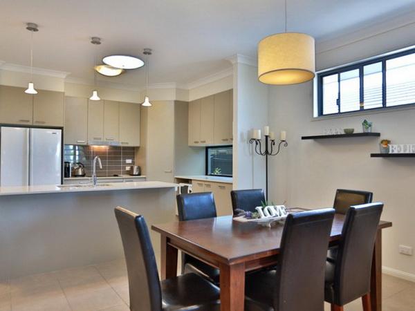 1-storey-grey-contemporary-family-house-3