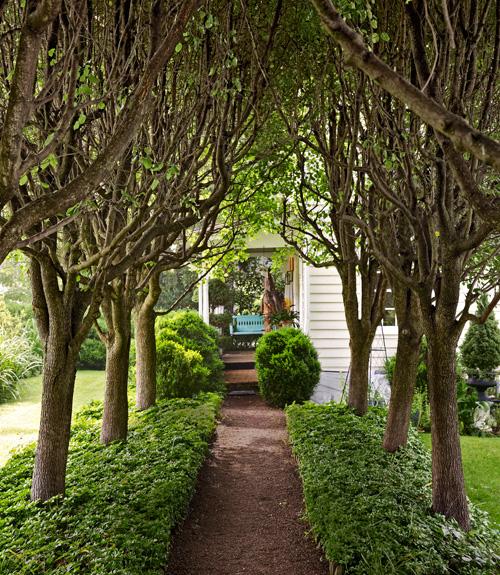 15-landscape-in-front-yard-ideas-27