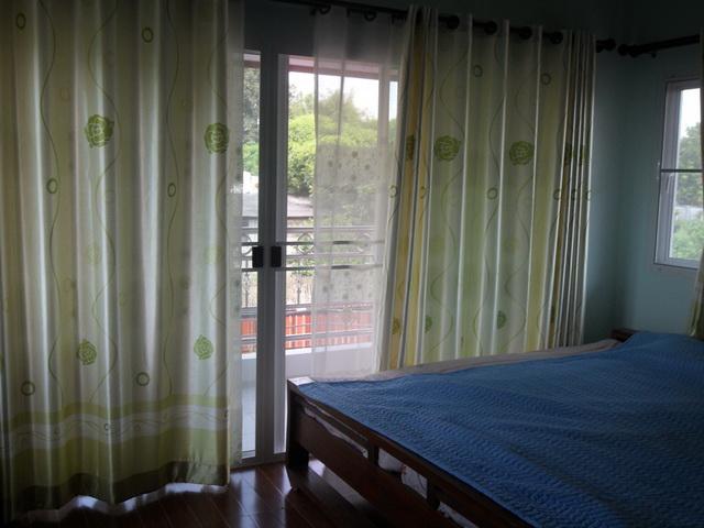 2-storey-cozy-contemporary-house-reivew-13