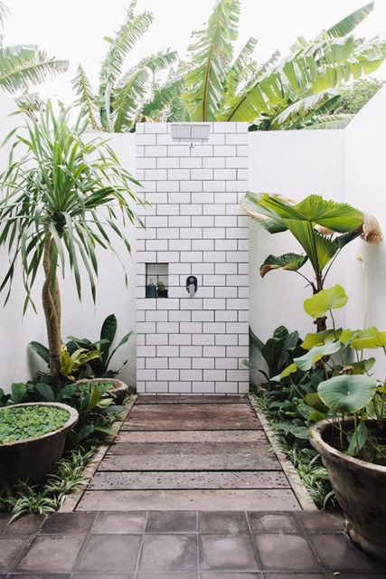 30-tropical-outdoor-showers-15