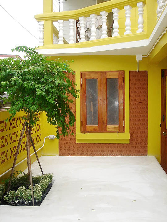 30-yrs-yellow-house-renovation-review-65