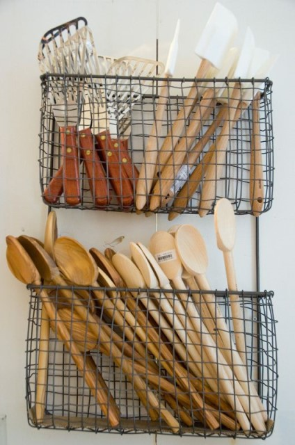 33-diy-old-wire-baskets-5