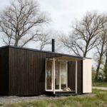 บ้านโมเดิร์นเคบิน ขนาดเล็กกะทัดรัด โครงสร้างไม้ ไอเดียที่เหมาะกับทำเป็นออฟฟิศ ร้านกาแฟ บ้านตากอากาศ