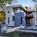 บ้านเดี่ยวกลางสวน ออกแบบในสไตล์โมเดิร์น รูปทรงกล่อง มีความสวยงามแฝงความภูมิฐาน