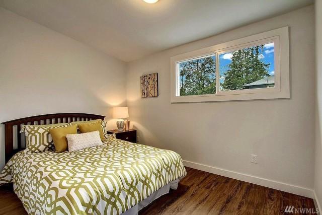 contemporary-home-gray-tone-2-bedroom-1-bathroom-with-shady-garden-1