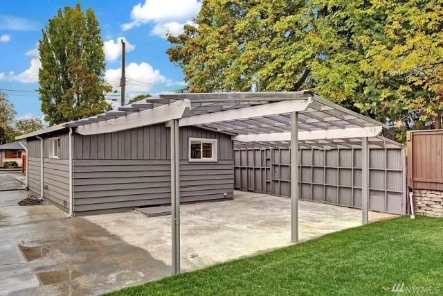 contemporary-home-gray-tone-2-bedroom-1-bathroom-with-shady-garden-3
