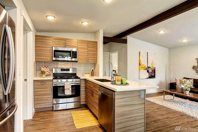 contemporary-home-gray-tone-2-bedroom-1-bathroom-with-shady-garden-8