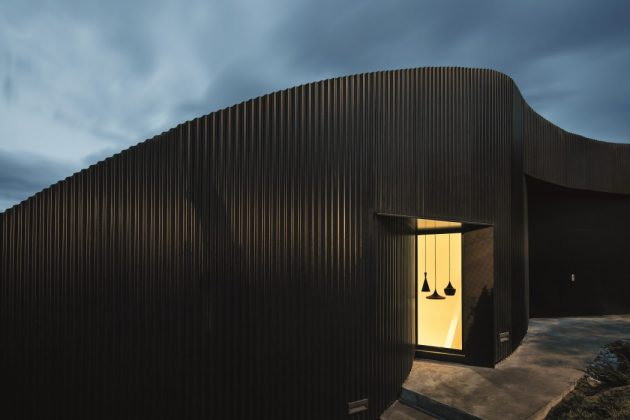 modern-home-modern-shapes-and-minimal-materials-8