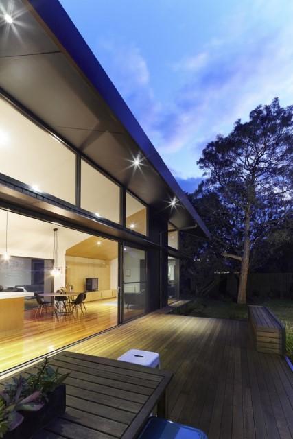 modern-house-dark-tones-3-bedroom-6