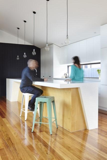 modern-house-dark-tones-3-bedroom-7