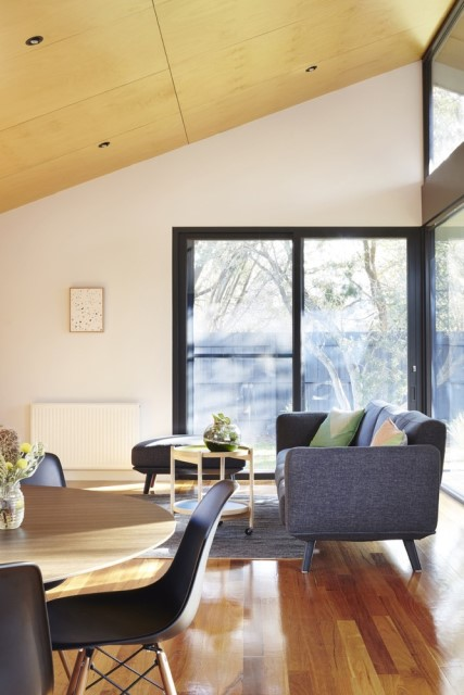 modern-house-dark-tones-3-bedroom-9