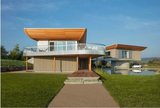 two-story-house-on-stilts-modern-style-11