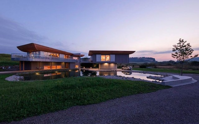 two-story-house-on-stilts-modern-style-12