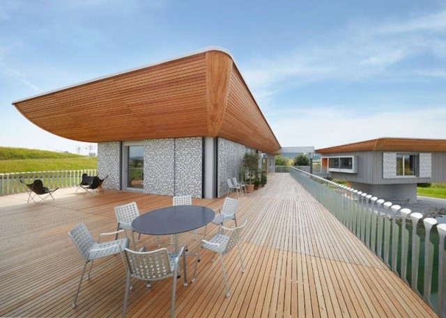 two-story-house-on-stilts-modern-style-19