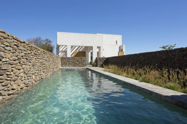 villas-house-with-swimming-pools-on-the-hill-6