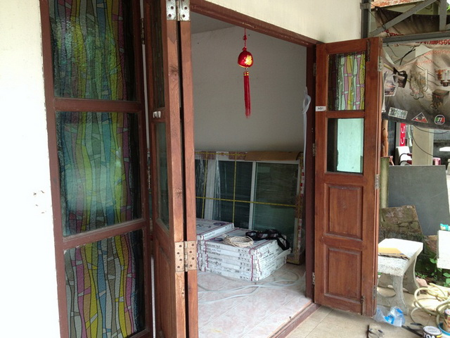 amature-redecorate-house-for-mom-review-5