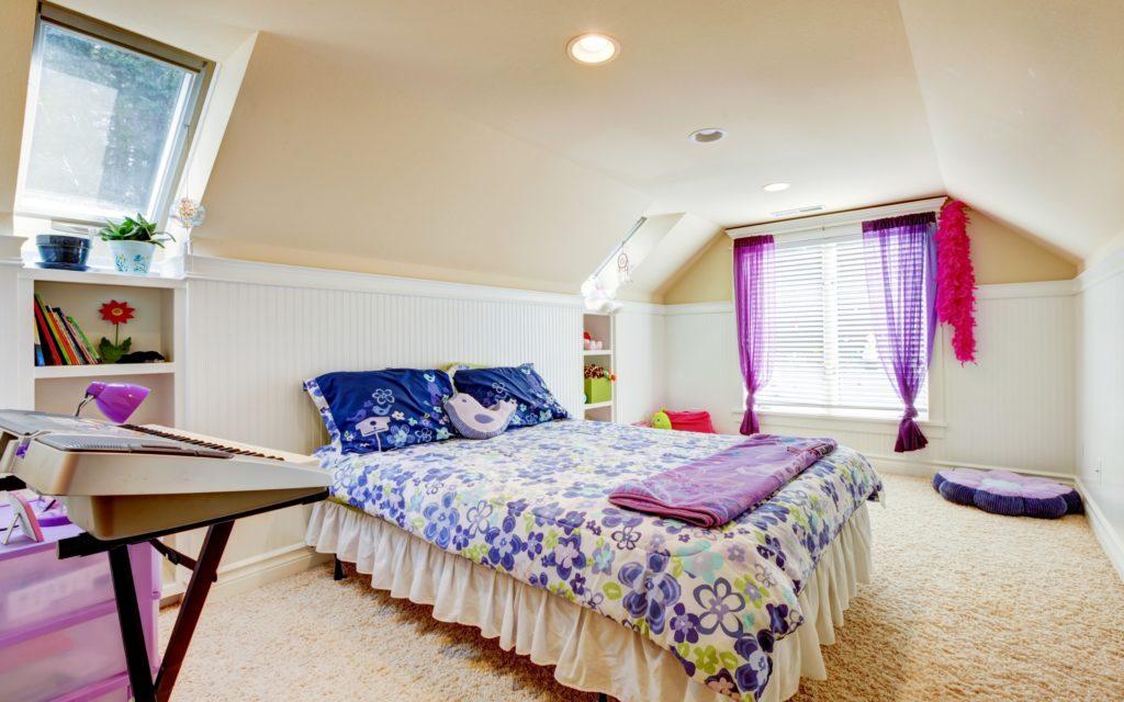 bedroom-in-the-attic-1