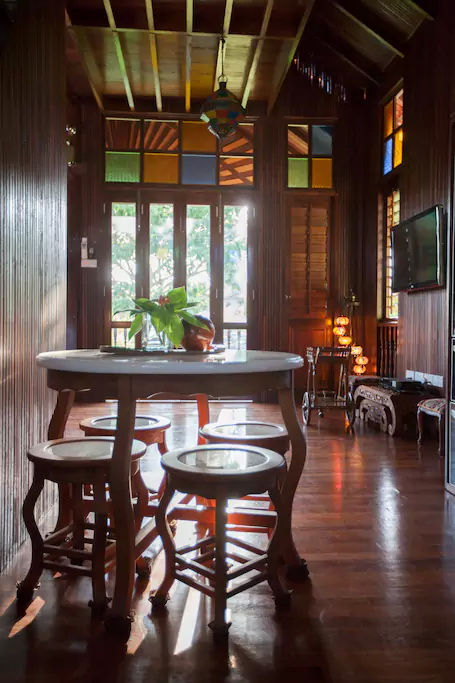 contemporary-thai-wooden-house-11