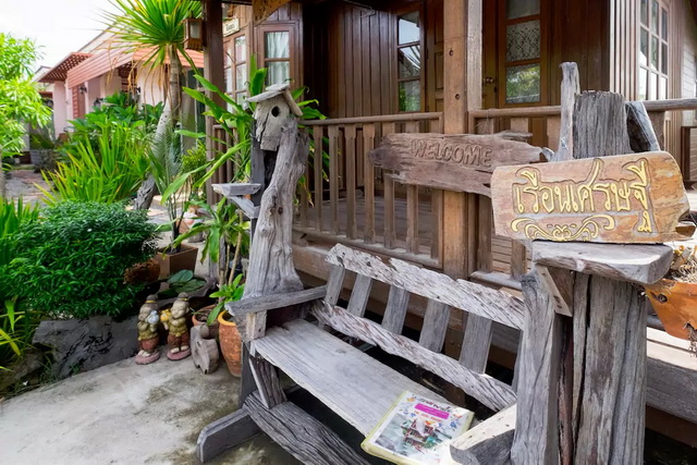 cool-cat-thai-traditional-house-3