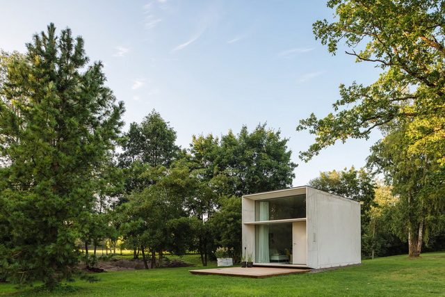 koda-modern-minimal-solar-powered-house-2