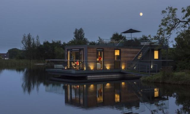 modern-house-houseboat-2
