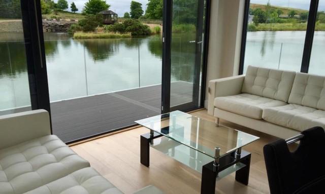modern-house-houseboat-3