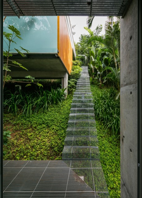 modern-house-on-the-hill-relaxation-on-natural-20
